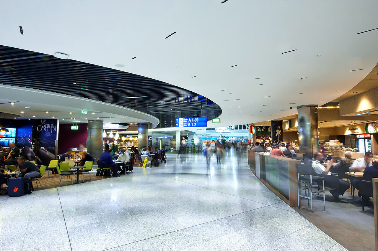 aia-central-food-court-01