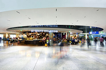 Athens International Airport, central food court